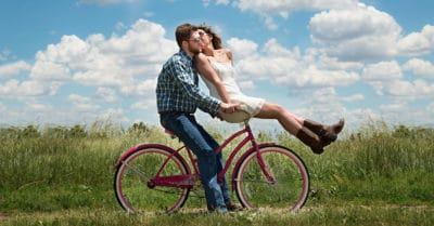10 Tell-Tale Signs Of A Happy And Healthy Relationship