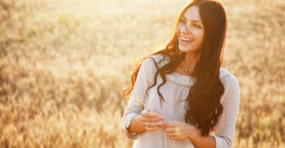 15 Secrets Of Irresistible People (And How To Be Irresistible)