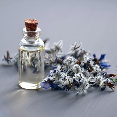 essential-oils-anxiety-happiness