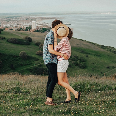 resolving dating problems by setting priority on your partner